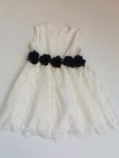 Φορεματάκι αμάνικο made inItaly 50%cotton 48%polyester 2%elastan Nο 6-12 μηνών από 25€